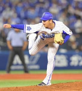 6回から2番手でマウンドに上がった山崎康晃