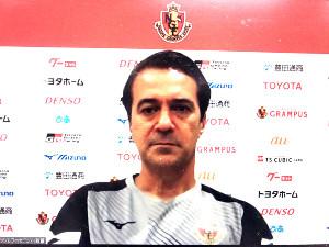 オンライン会見に出席した名古屋のフィッカデンティ監督