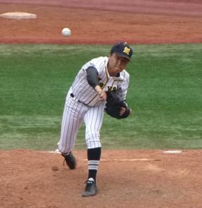 9回の1イニングを無安打無失点に抑えた横浜隼人・加藤