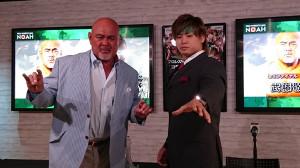 武藤敬司(左)と清宮海斗