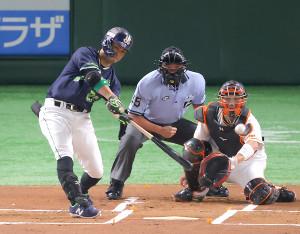 1回無死一、二塁、青木宣親が左越えへ先制の適時二塁打を放つ