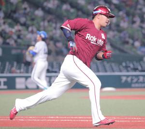 1回2死一塁、先制適時二塁打を放った浅村栄斗