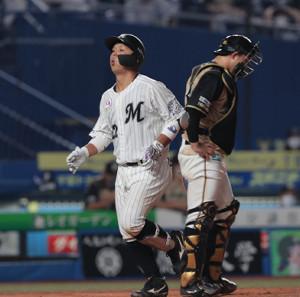 5回無死、田村龍弘は1号本塁打を放つ