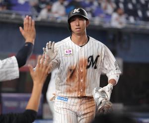 5回1死、福田秀平は2号本塁打を放つ