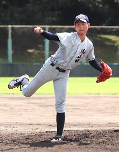 圧巻の投球でチームを初戦勝利に導いた京都南山城・中村