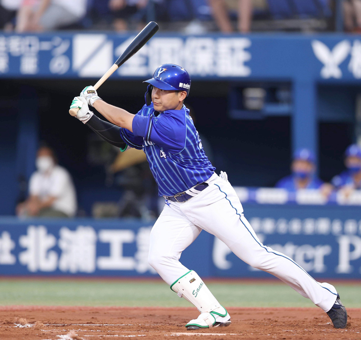 1回1死一、二塁、佐野恵太が先制の中前適時打