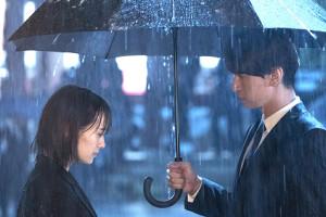 したたかな女性恋敵役を演じた吉田志織(左)と初共演の大倉忠義