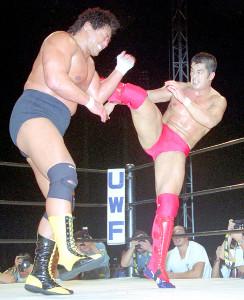 1996年9月11日、神宮球場で天龍源一郎(左)を破った高田延彦