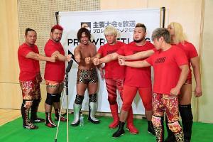 金剛に電撃加入した中嶋勝彦(左から3人目。写真提供:プロレスリング・ノア)