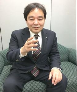 政治ジャーナリストの鈴木哲夫氏