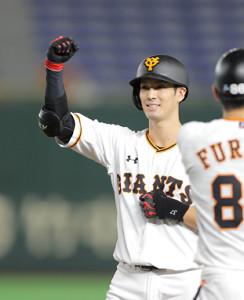 5回無死一、三塁、若林晃弘が右前に適時打を放つ
