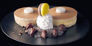 菅義偉総裁がお気に入りの「ホテルニューオータニ特製 マロンパンケーキ2020」(同社提供)