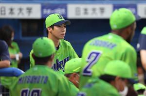 試合前円陣には加わった山田哲人