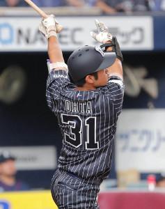 1回2死、太田椋は先制となる左越えソロ本塁打を放つ