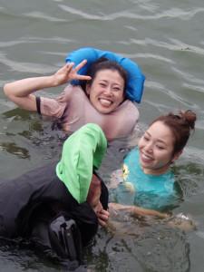 水神祭で大山千広とともにびわこに飛び込んだ喜多須(左)