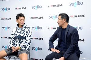 皇治(左)と榊原信行CEO(C)RIZIN FF