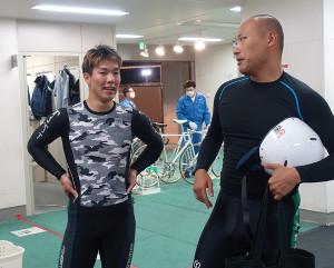 デビュー以来、初めて決勝進出を果たした原大智(左、右は、原と連係した地元の島田茂希)。最終バックまくって出たが4着に敗れた