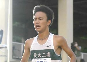 男子5000メートルに出場した石田洸介(代表撮影)