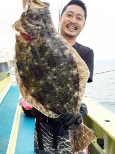 飯岡沖で釣れた4キロの良型ヒラメ(太幸丸で)