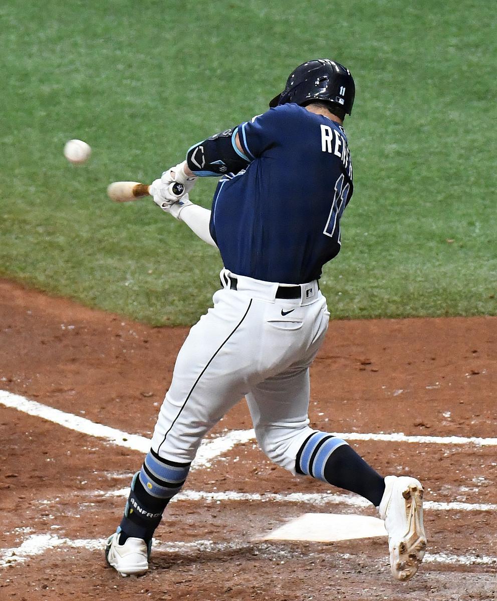 左翼へ満塁本塁打を放ったレンフロー(ロイター)