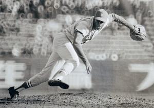 1968年の日米野球、巨人戦でダイナミックなフォームを披露したボブ・ギブソン氏