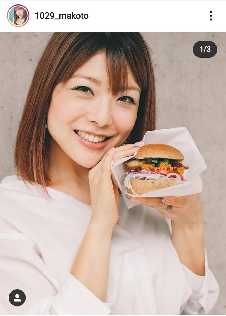 """元モー娘。小川麻琴がハンバーガー店に""""転身""""「かぼちゃ鯖バーガー」開発"""