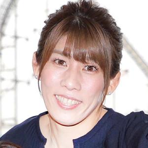 吉田沙保里さん、愛犬との38歳誕生日ショットに「どんどん美しくなる ...