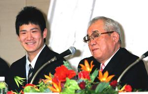 楽天の高校生ドラフト1巡目・田中将大と野村克也監督