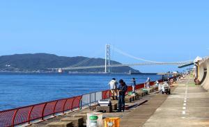 釣り場は明石海峡大橋や淡路島が望め、ロケーションも抜群