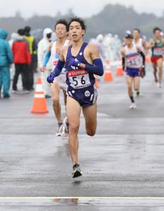 日本人トップで5位の順大・三浦龍司(カメラ・頓所美代子)