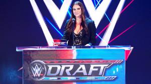 ステファニー・マクマホンによるWWEドラフト((c)2020 WWE, Inc. All Rights Reserved.)
