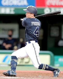 5回2死一塁、適時二塁打を放った福田周平