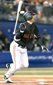 07年の開幕戦で先頭打者本塁打を放った高橋由伸