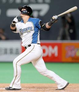 9回1死一塁で29号2ランを放った中田