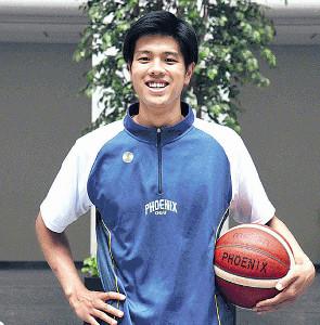 プロでの活躍を誓うバスケットボール部の吉井裕鷹