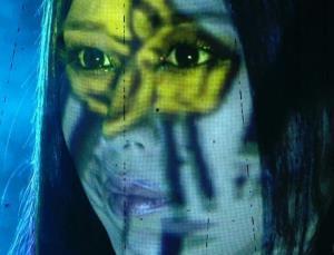 あおり映像でハロウィーンメイクを披露した紫雷イオ(C)2020 WWE, Inc. All Rights Reserved.