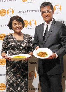 原日出子と渡辺裕之(2011年10月18日撮影)