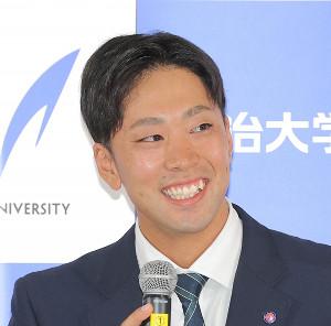 DeNAからドラフト1巡目指名を受けた明大・入江大生