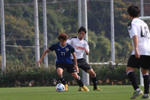 練習試合1本目で得点を決めたFW西川潤