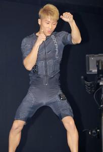 SIXPADのパワースーツを体験した井上尚弥