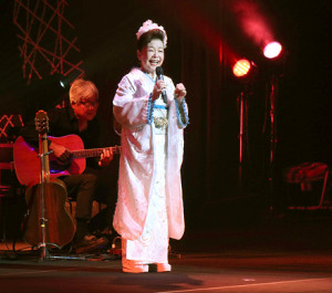 284日ぶりにコンサートを開催した中村美律子