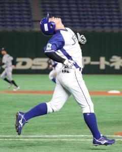 8回2死一塁、左飛に倒れるJFE東日本・今川優馬  (カメラ・佐々木 清勝)