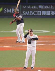 7回1死満塁、デスパイネに右中間へ満塁本塁打を打たれた鍵谷陽平