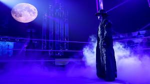 引退セレモニーに登場したアンダーテイカー(C)2020 WWE, Inc. All Rights Reserved.