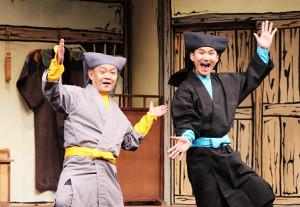 2人芝居「あんまと泥棒」の公開ゲネプロを行った南原清隆(右)と近藤芳正