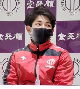 試技会後に取材に応じた体操男子の谷川翔