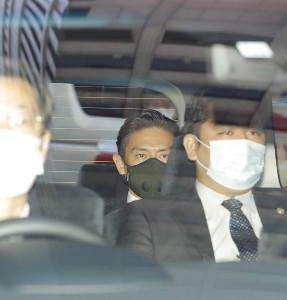 初公判を終え裁判所を後にする伊勢谷友介被告