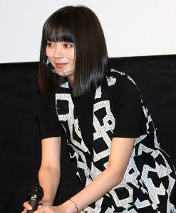 舞台挨拶を行った池田エライザ監督