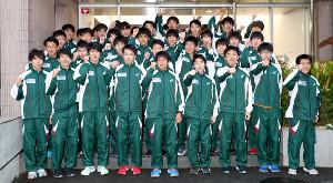 15位を目標に掲げ気合を入れる専大の選手(カメラ・佐々木 清勝)