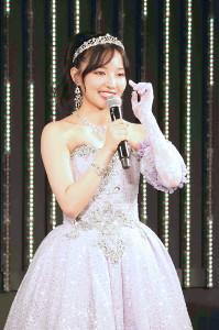 NMB48劇場での卒業公演であいさつするNMB48・村瀬紗英